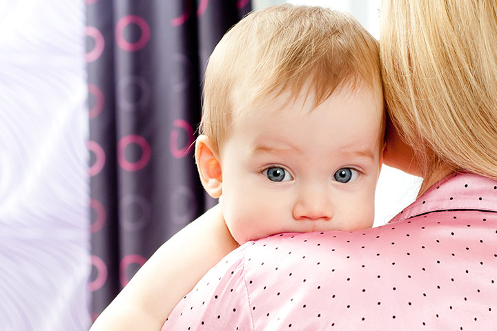 Причины икоты у грудничков. Что делать молодым родителям?