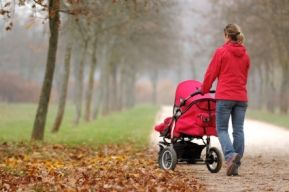 Прогулка с ребенком в парке