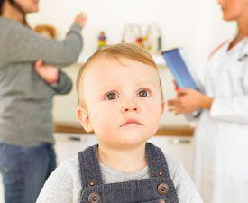 малыш в кабинете у доктора