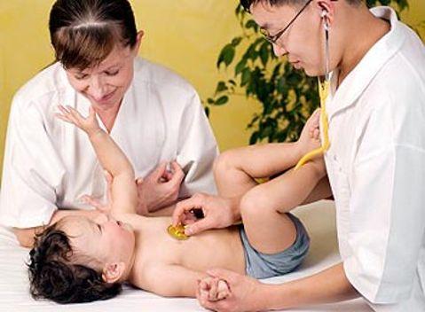 Симптомы и методы лечения бронхита у грудничка