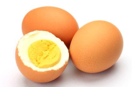 Когда и как можно вводить в прикорм желток грудничку?