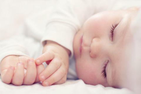 спящий грудничок