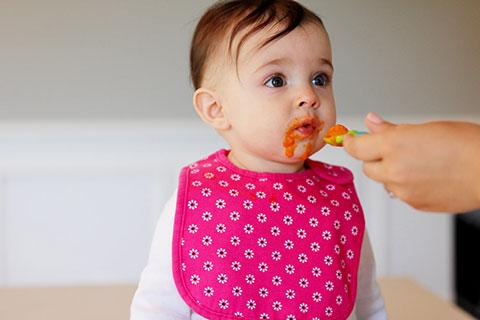 Разбираемся в многообразии ложек для первого прикорма грудничка: выбираем лучший столовый прибор