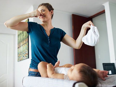 Причины, симптомы и лечение диареи у грудничка