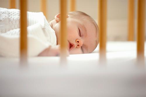 Какая продолжительность сна у грудничков разного возраста?