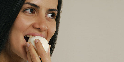 Куриные яйца в рационе кормящей женщины: можно или нет? Польза и вред продукта для грудного вскармливания, потенциальная угроза, способы приготовления