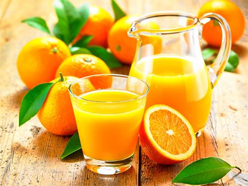 Может ли женщина, которая кормит малыша грудью, кушать апельсины? Как это скажется на здоровье грудничка?