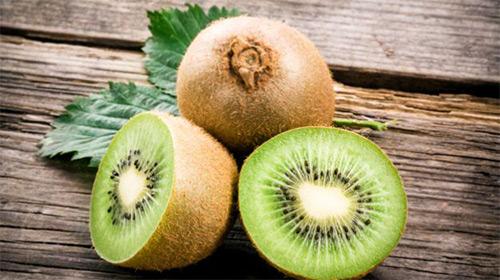 Прикорм киви: когда можно знакомить грудничка с новым фруктом?