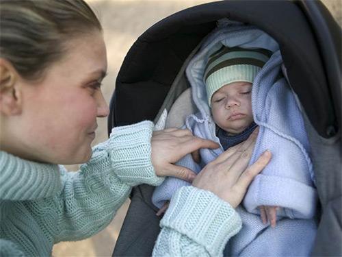 Переохлаждение новорождённого малыша: симптомы, последствия. Алгоритм неотложной помощи грудничку