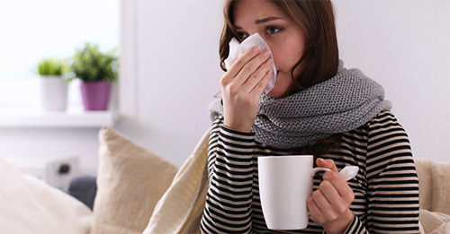 Лечение простуды в период кормления грудью. Можно ли кормить малыша, если мама заболела?