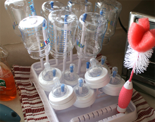 Как правильно мыть бутылочки после кормления