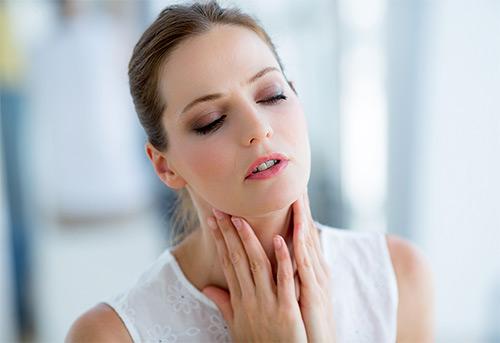 Можно ли лечить горло кормящей маме при помощи люголя? Не навредит ли это грудничку?