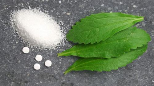 Можно ли кормящим мамам заменять сахар стевией? Не навредит ли это здоровью грудничка?