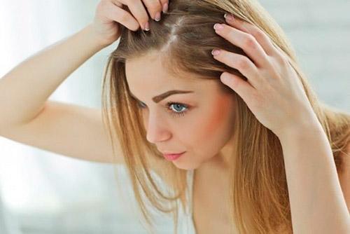 Почему у кормящей мамы могут выпадать волосы? Как быстро и эффективно справиться с этой проблемой?