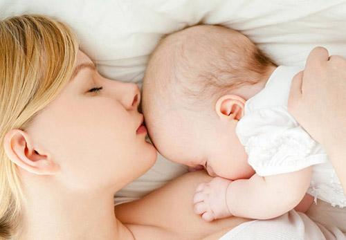 мама и грудничок