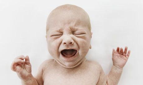 Причины плача грудничка во сне, до, после или во время кормления