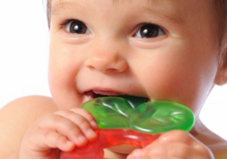 Понос при прорезывании зубов у грудничка