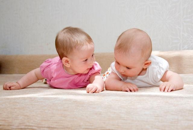 Два малыша