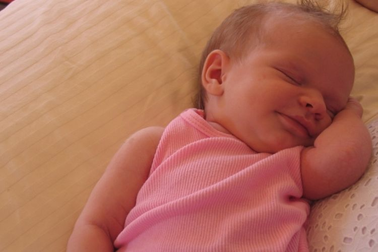 Сладко спящий малыш