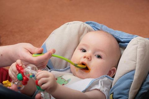 прикорм кашей малыша