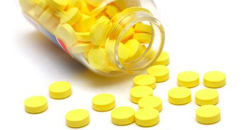 Фурацилин – отличное обеззараживающее средство для лечения глаз, носа, пупка и горла новорожденных малышей. Схема приготовления раствора, способ применения