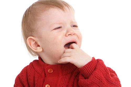 Ларинготрахеит у детей до года: все, что должна знать мама, чтобы не пропустить симптомы опасного заболевания. Лечение дома до приезда врача.