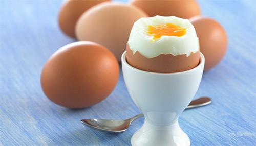 вареное яйцо в смятку