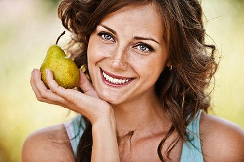 Допустимо ли кормящей маме есть груши? С какого возраста ребенка фрукт можно вводить в рацион женщины? Диетические рецепты
